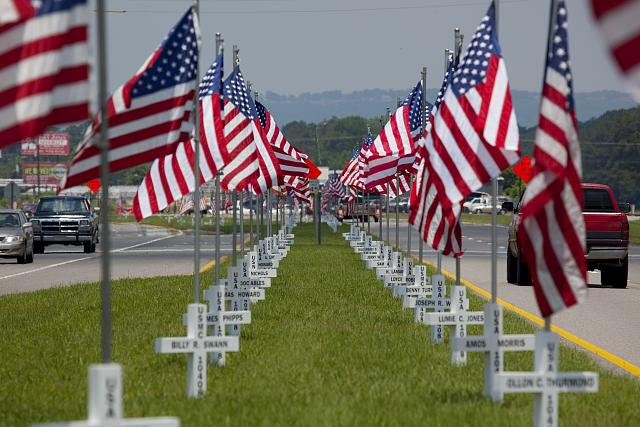 Photo: Flags fly for Gadsden area War Veterans,Gadsden,Etowah County,Alabama,2010,4