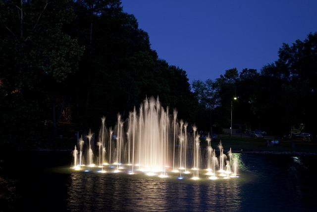 Photo: Water Dances,Water Show,Spring Park,Tuscumbia,Alabama,AL,Fountain,Highsmith,1