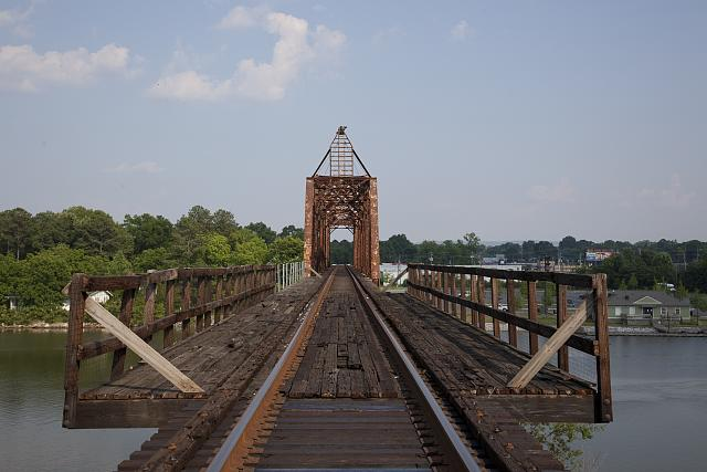 Photo: Historic Train Bridge,Gadsden,Etowah County,Alabama,Carol Highsmith,Photographer