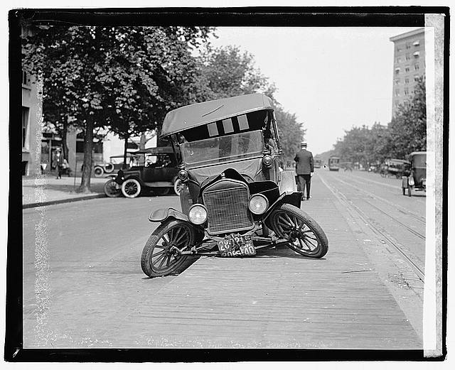 Photo: Auto Wreck,Traffic Accident,Automobile Disaster,Transportation,1922